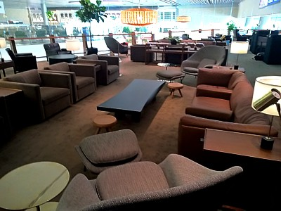 SIN: Cathay Pacific Business Class Lounge Singapore